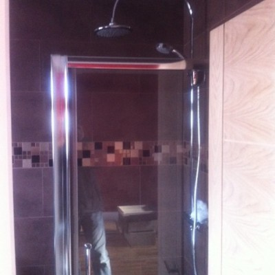 Glass shower and twin shower unit